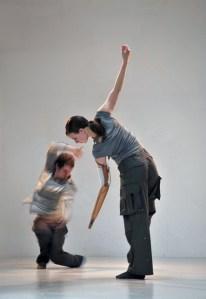 Foto da coreografia <i>The Perfect Human</i> foto de Shechter